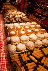 stock-photo-73450667-vienna-s-sweet-treats-at-christkindlmarkt